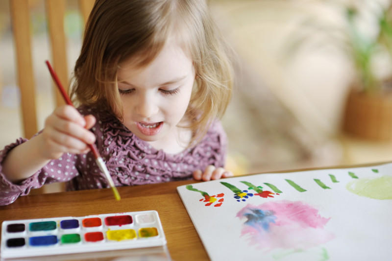Если ребенок рисует цветочки
